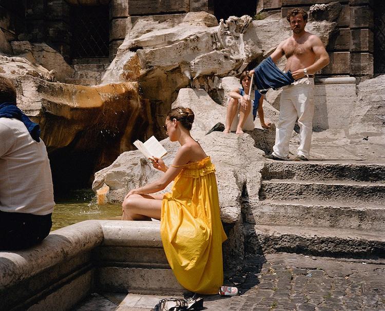 这是一组拍摄于80年代意大利的照片,来自摄影师Charles H. Traub,这组美丽的照片在几十年后终于被摄影师公开。