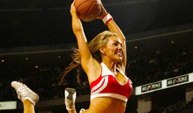惊艳!NBA啦啦队美女大秀灌篮