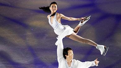 世界花样滑冰大赛上演冰上浪漫