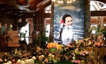 汪峰求婚现场曝光 鲜花簇拥美人出浴