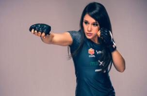 墨西哥女拳击手拍惊艳写真