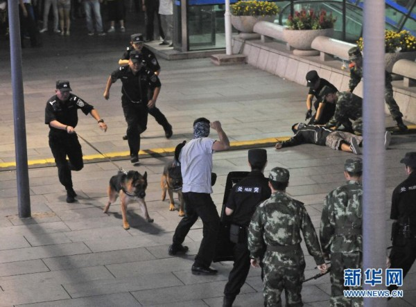 """8月29日,北京市公安局组织开展了繁华地区""""一分钟处置""""反恐演练。"""