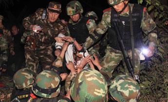 广西凭祥处置一起偷越国境人员袭警案