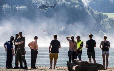 """瑞士军队直升机到法国""""偷水"""""""