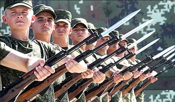 受阅外军:男兵刺刀闪亮 女兵英姿挺拔