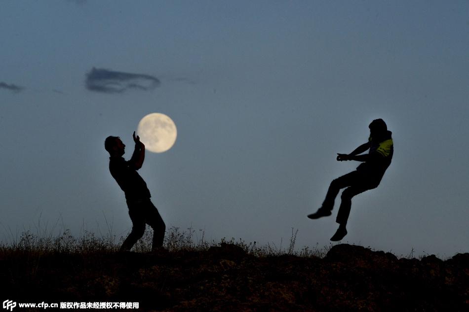 中秋节赏月去?月亮已经被玩坏啦