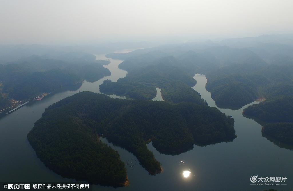 2015年10月15日,陕西汉中,航拍南沙湖。