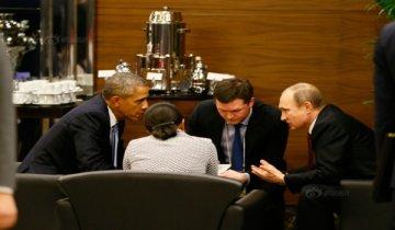 奥巴马与普京弯腰密议商讨打击IS