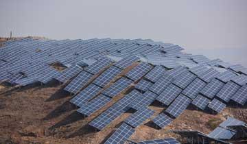 烟威地区首个地面光伏发电项目即将并网发电.jpg
