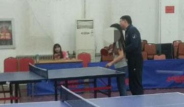 北京某高校体育老师骚扰女学生 没人敢反抗