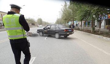 35岁交警猝死 个人照片全是处理事故背影