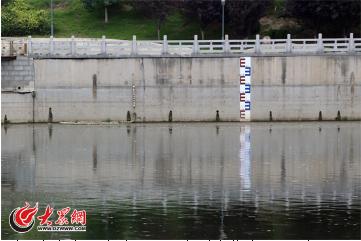 济南小清河、护城河开闸放水 游船停运