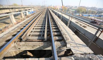 """郑州:晚清钢桥""""退役""""-系比利时人修建.jpg"""