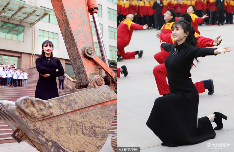12月11日,柳岩一身露背黑长裙空降山东蓝翔高级技工学校,为宣传主演电影《大闹天竺》豁出胆玩很high。