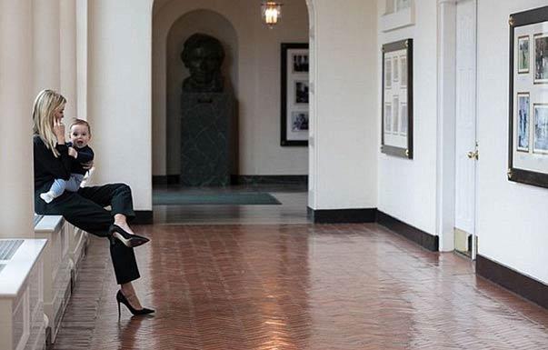 特朗普女儿抱娃晒照展示白宫生活