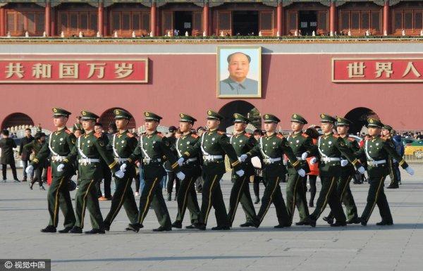 两会召开在即 北京天安门安保升级
