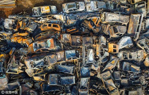一夜火灾后 这6千多辆车烧剩铁架