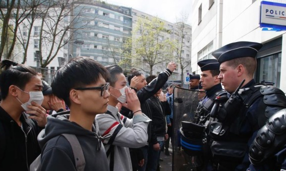 巴黎华人被枪杀案引抗议警民冲突 35人被捕