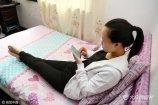 2017年4月17日,上海市,实拍90后女孩小陈才结束代孕不久的生活。