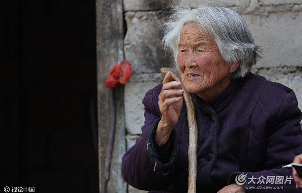 日本老人滞留中国75年 先后嫁5人至今没有户口