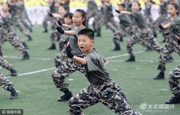 济南集团化办学体育成果展 学生现场表演亮功夫