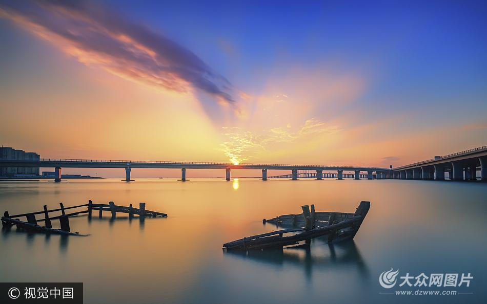 青岛胶州湾大桥日落美不胜收