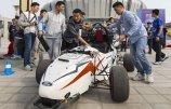 大学生造无人驾驶赛车出征汽车大赛.jpg