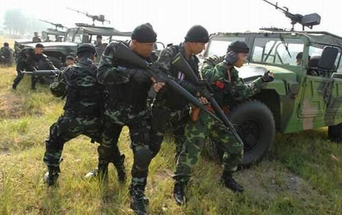 中泰特种兵联训 中国军人向泰军竖大拇指图片