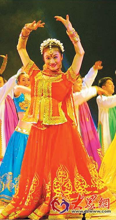 东方歌舞团超大型音乐舞蹈晚会《蔚蓝色的浪漫》在全国各地演出近