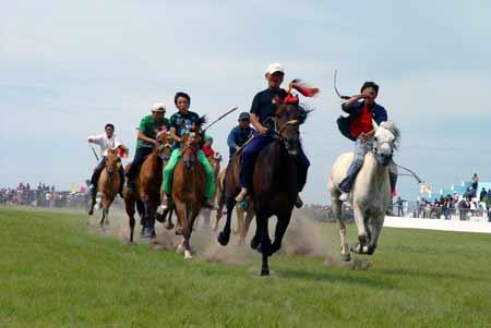 蒙古族的摔跤,赛马,射箭比赛