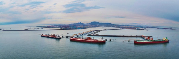 日照港30万吨级原油码头