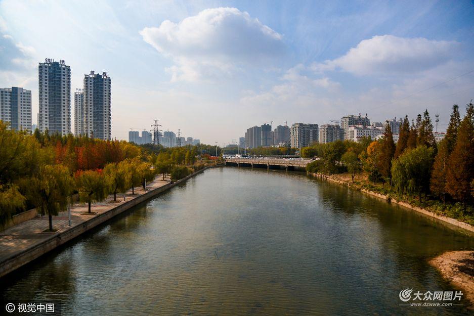 日照沙墩河畔现缤纷秋色