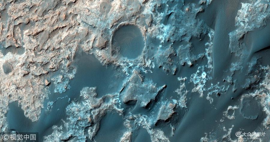 研究称火星上发现第一个液态水湖