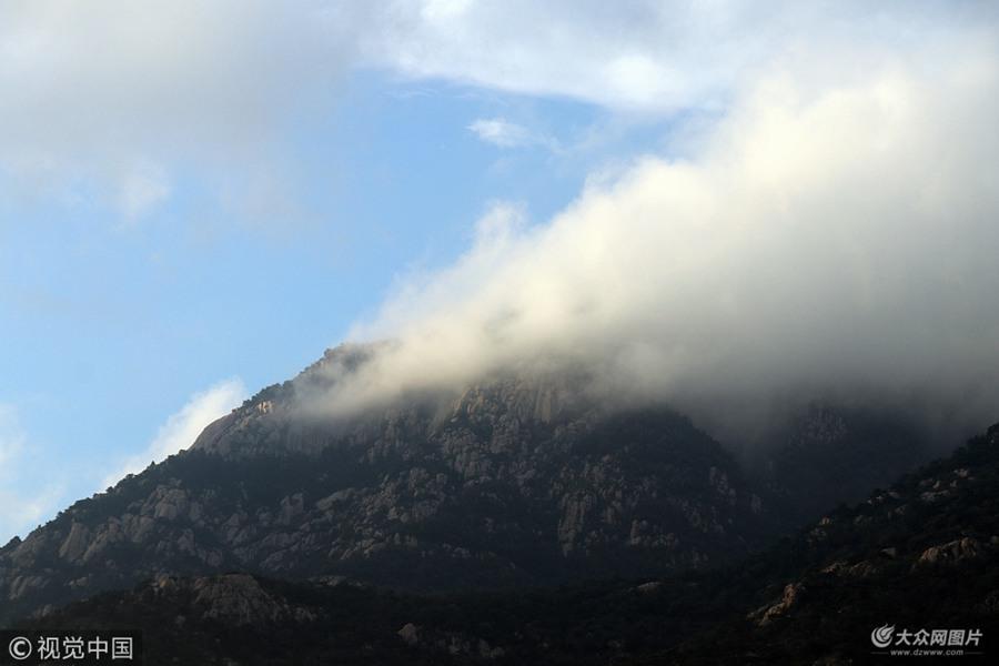 暴风雨后的泰山 美成一幅水墨山水画