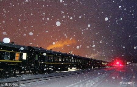 2019年1月19日,黑龙江大兴安岭漠河县,6245/6246是齐齐哈尔至古莲之间的旅客列车。