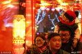 2019年2月19日,济南趵突泉景区人头攒动,数万人在夜幕降临后聚集于此赏花灯猜灯谜,与家人好友共度元宵佳节。