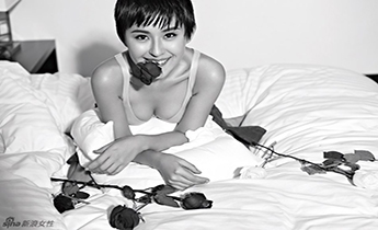 """""""宁贵人""""热依扎短发出镜变身性感酷女孩儿"""