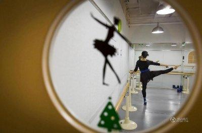 盲人芭蕾舞者