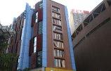 外墙创意改建成巨型书架.jpg