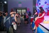 2018年8月3日,第十六届中国国际数码互动娱乐展览会(ChinaJoy)在上海举行,各大展商邀请展示产品的模特们成为展会上一道靓丽的风景线。